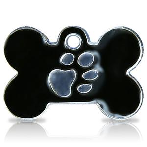 Kaiverrettu koiran nimilaatta fashion-tassu ISO luu hopeoitu, musta