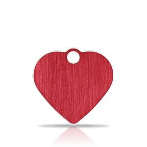 Nimilaatta kaiverruksella - Hi-line Alumiini pieni sydän, punainen
