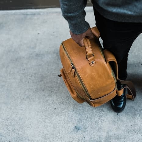 the-tourist-full-grain-leather-backpack-110717_1600x