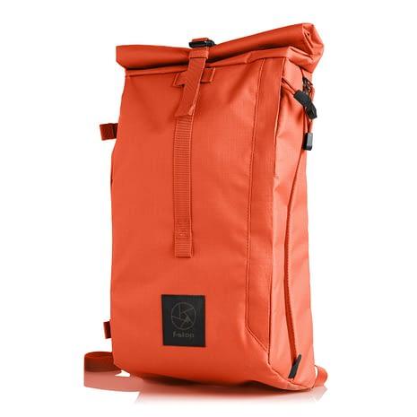 2._mal_ranec_45_degrees_orange_FSTP0057