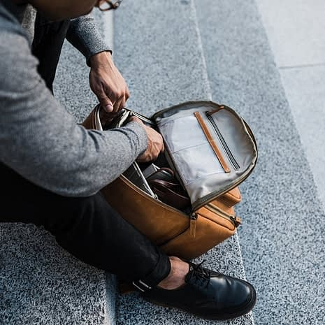 the-tourist-full-grain-leather-backpack-968847_1600x